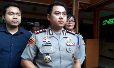 Kapolres Malang Kota AKBP Dony Elaxander SIK MH saat dikamar mayat RSSA Malang. (gie)