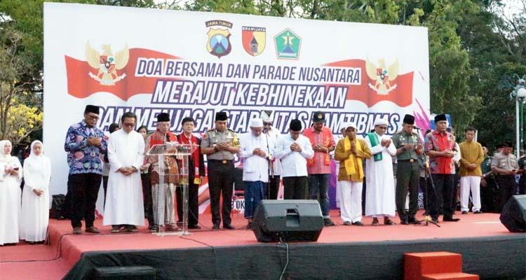 DAMAI : Doa bersama Forkopimda dan Elemen Masyarakat di Alun -Alun Kota Malang. (Ist)