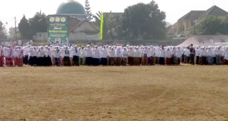 Peserta Upacara Peringatan HSN. (H Mansyur Usman/Memontum.Com)