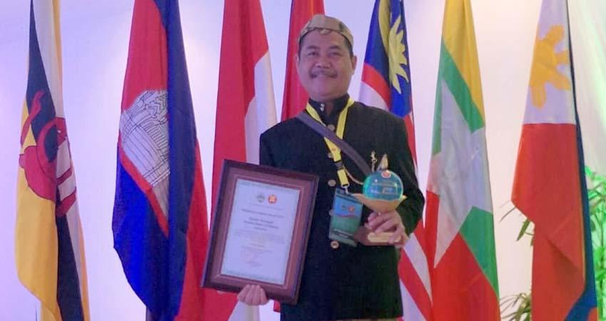 SMPN 10 Kota Malang Raih ASEAN Eco School Award 2019