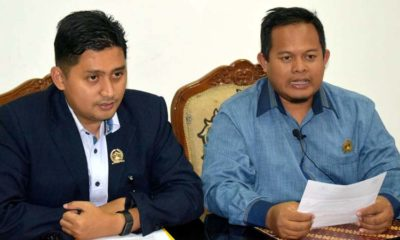 Ketua Fraksi PKS DPRD Kota Malang Trio Agus Purwono (kanan) dan Sekretaris Fraksi PKS Ahmad Fuad Rahman (kiri)