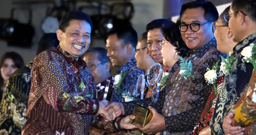 Kota Malang Raih Anugerah Ki Hajar 2019 Kategori Madya