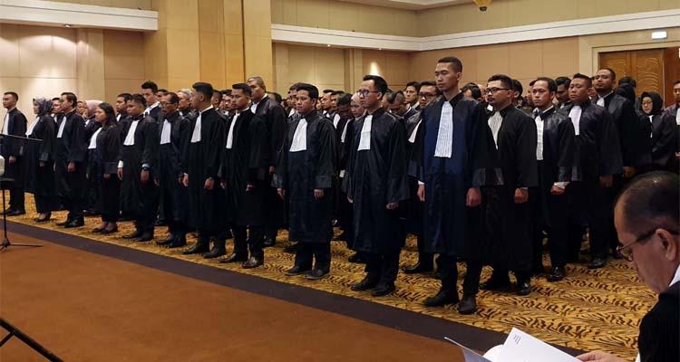 Suasana sumpah advokat DPC Peradi Malang Raya. (ist)