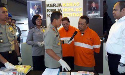 Kapolreta Malang Kota AKBP Dr Leonardus saat meminta keterangan kepada Agus dan istrinya. (gie)