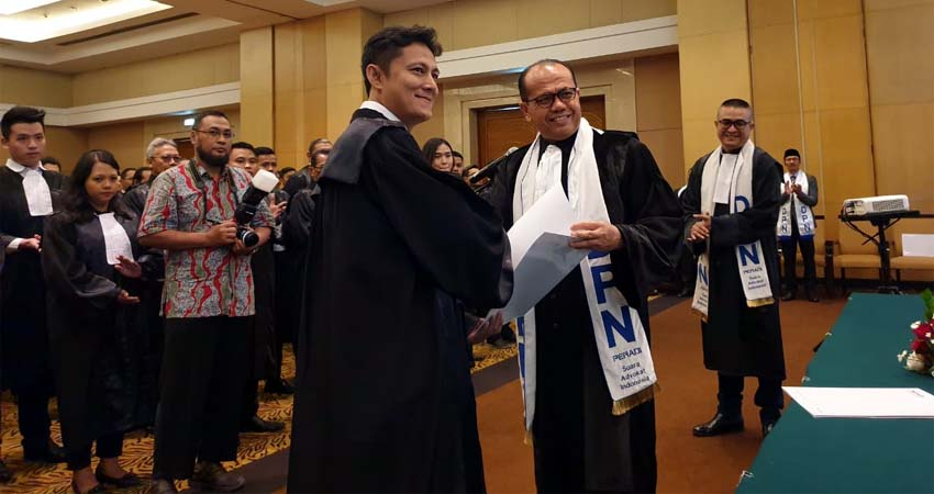 Sebanyak 97 Advokat Disumpah, Advokat Harus Bisa Terapkan e-Court dan e-Litigasi