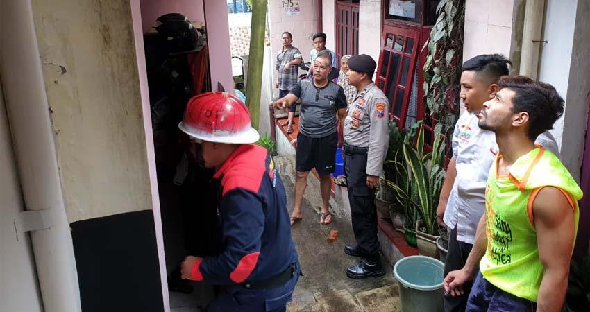 Ditinggal Berkunjung ke Rumah Anak, Rumah Terbakar