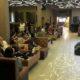 Kasat Binmas Polresta Malang Kota Kompol Pujiyono saat memberikan imbauan Kamtibmas kepada karyawan dan pemandu lagu Twenty Karaoke. (gie)