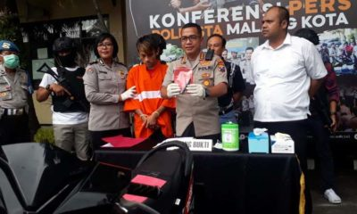 Kapolresta Malang Kota Kombes Pol Leonardus saat merilis tersangka Hendrik. (gie)