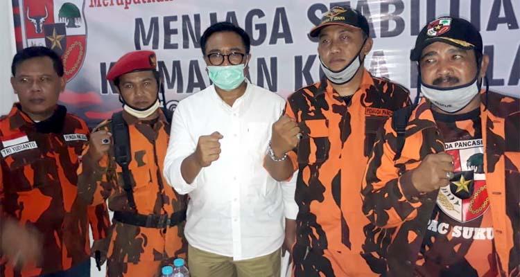 Wakil Walikota Malang Ir Sofyan Edi Jarwoko bersama anggota PP. (gie)