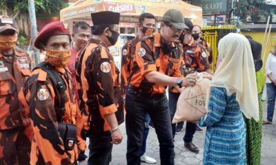 Peduli Warga Terdampak Covid-19, PP Kota Malang Bagikan Sembako