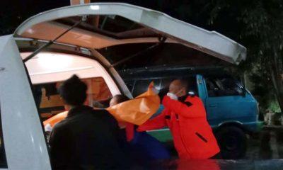 Jenazah korban saat dibawa ke kamar mayat RSSA Malang. (Ist)