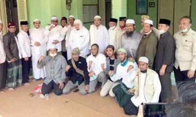 Tokoh masyarakat, kyai dan habib se Malang Raya bersatu deklarasi penolakan RUU HIP. (mg1)
