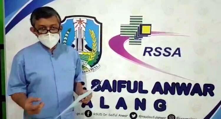 Dr Kohar sebagai direktur RSSA sedang mengkonfirmasi terkait pasien yang kabur dari ruang isolasi