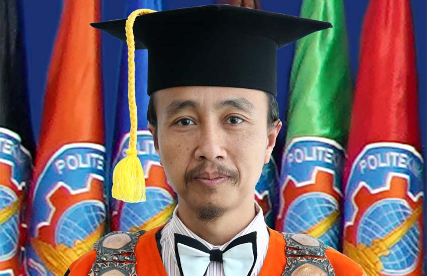 Pembantu Direktur I Supriatna Adi Suwignjo ST MT