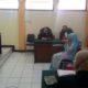 Terdakwa Lilik saat meminta vonis bebas kepada majelis hakim. (gie)