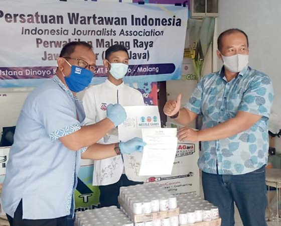 Nestle Peduli Jurnalis, Serahkan Bantuan Bear Brand, Perkuat Imun Selama Pandemi Covid-19