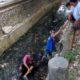 Korban Slamet Budiono saat berada di sungai. (ist)
