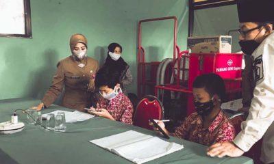 BELAJAR : wali Kota Malang Sutiaji memantau kegiatan pelajar siswa yang tinggal di Kelurahan Bandulan. (memo x/cw2)
