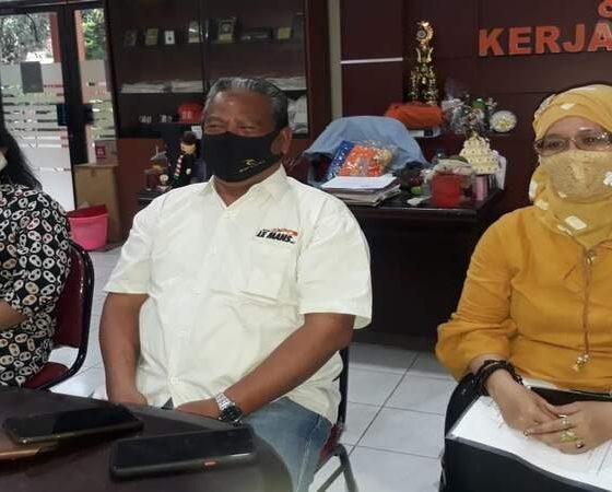 Dr Ninik Indawati MPd, Dr Sudi Dul Aji M.Si dan Retno Wulandari SE MSA. (gie)