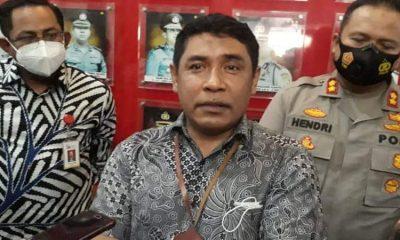 Kepala Kantor BRI Syariah Malang, Aminudin bersama dengan AKBP Hendri Umar.